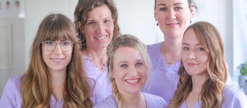 Fünf erfahrene Fachkosmetikerinnen beraten und behandeln Sie gerne in den Räumen unseres Cosmedicum®-Hamburg.